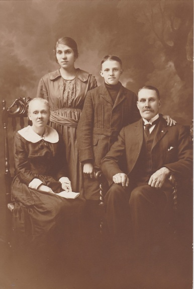 Great-grandmother Minnie, Grandmother Daisy, Great Uncle Percy, Great Grandfather Stephen