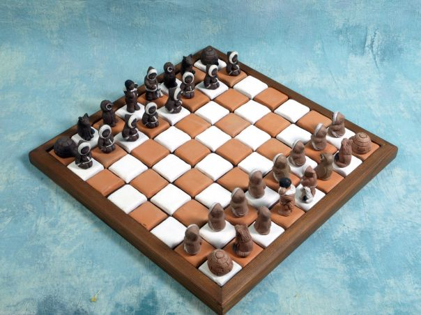 seras chess set